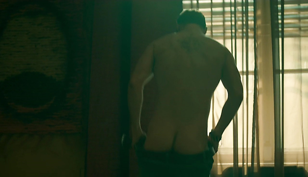 Daniel Macpherson sexy shirtless scene November 1, 2017, 12pm