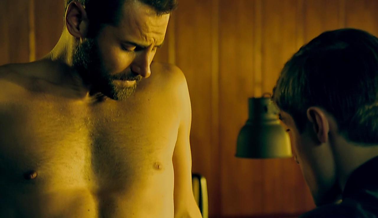 Daniel Macpherson sexy shirtless scene November 15, 2017, 12pm