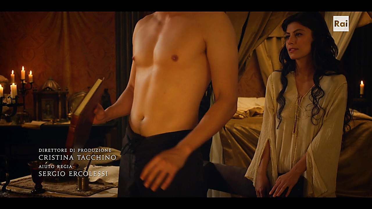 Daniel Sharman sexy shirtless scene October 31, 2018, 3pm