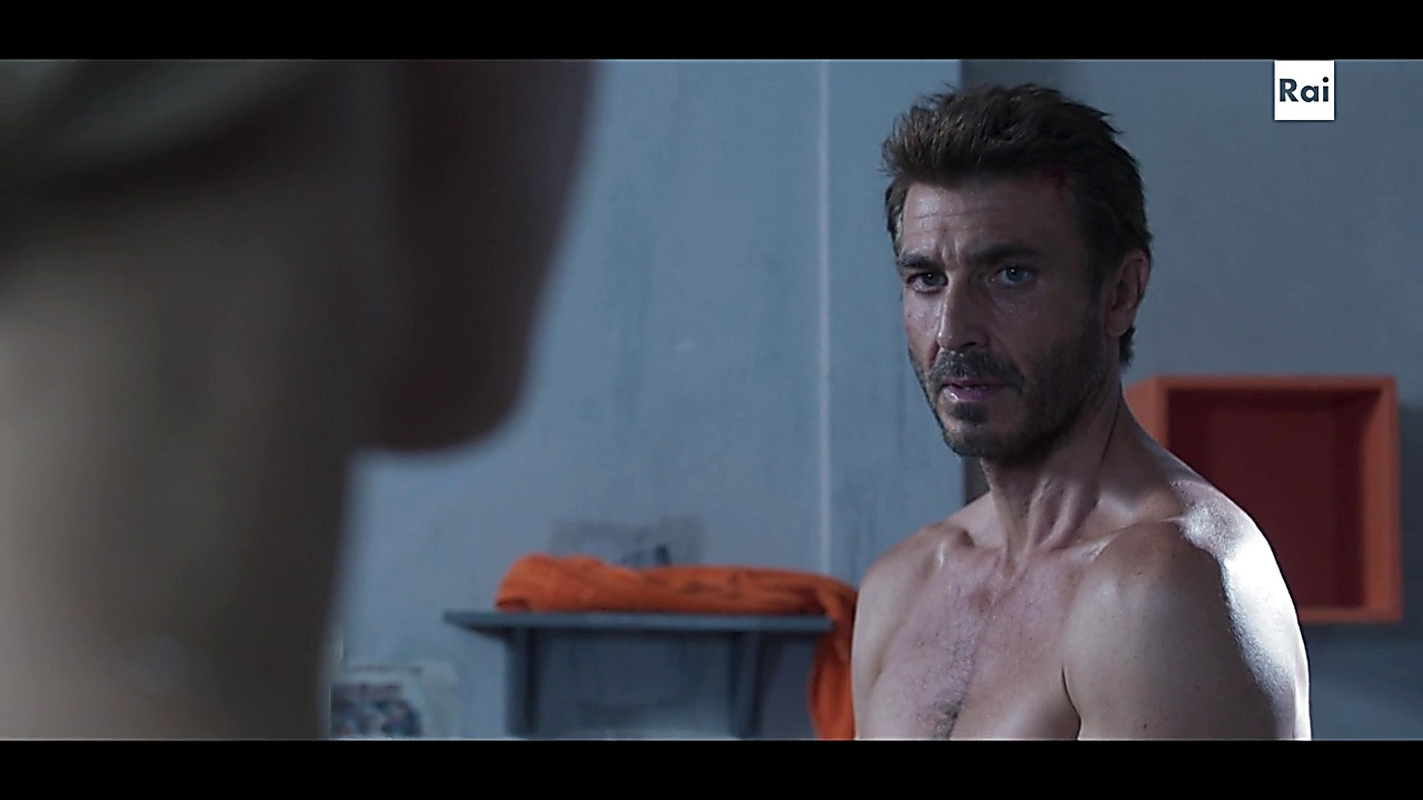 Daniele Liotti sexy shirtless scene September 22, 2019, 10am