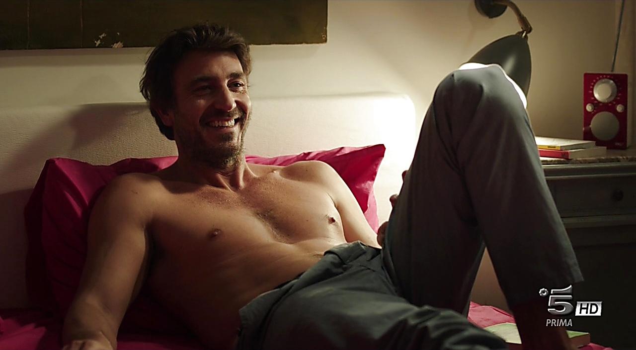 Daniele Liotti sexy shirtless scene March 4, 2018, 1pm