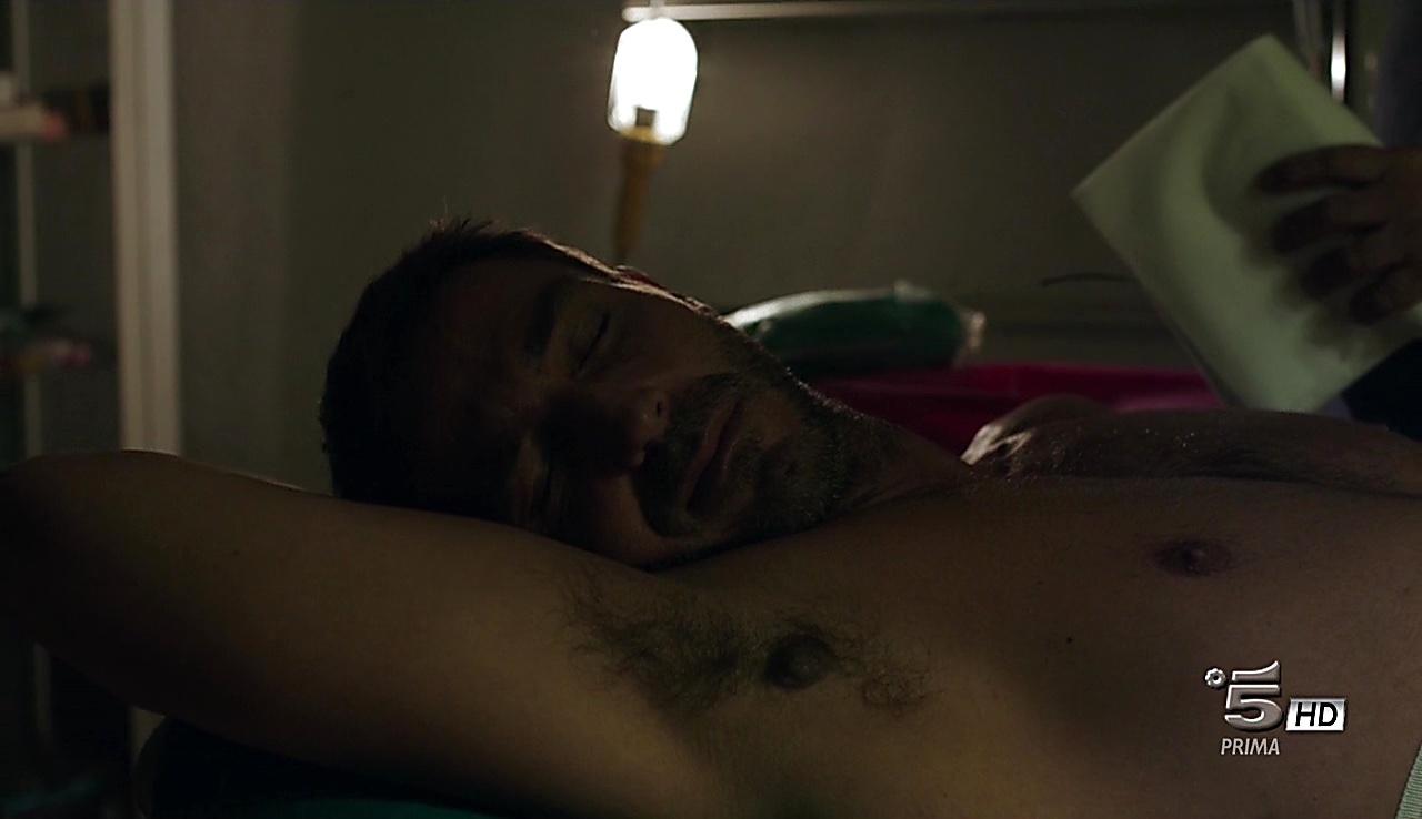 Daniele Liotti sexy shirtless scene October 14, 2017, 1pm
