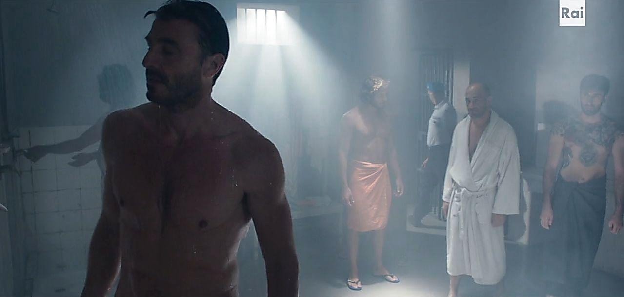 Daniele Liotti sexy shirtless scene November 5, 2019, 4pm