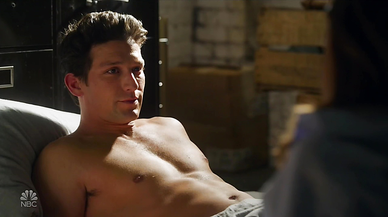 Daren Kagasoff sexy shirtless scene May 15, 2019, 10am