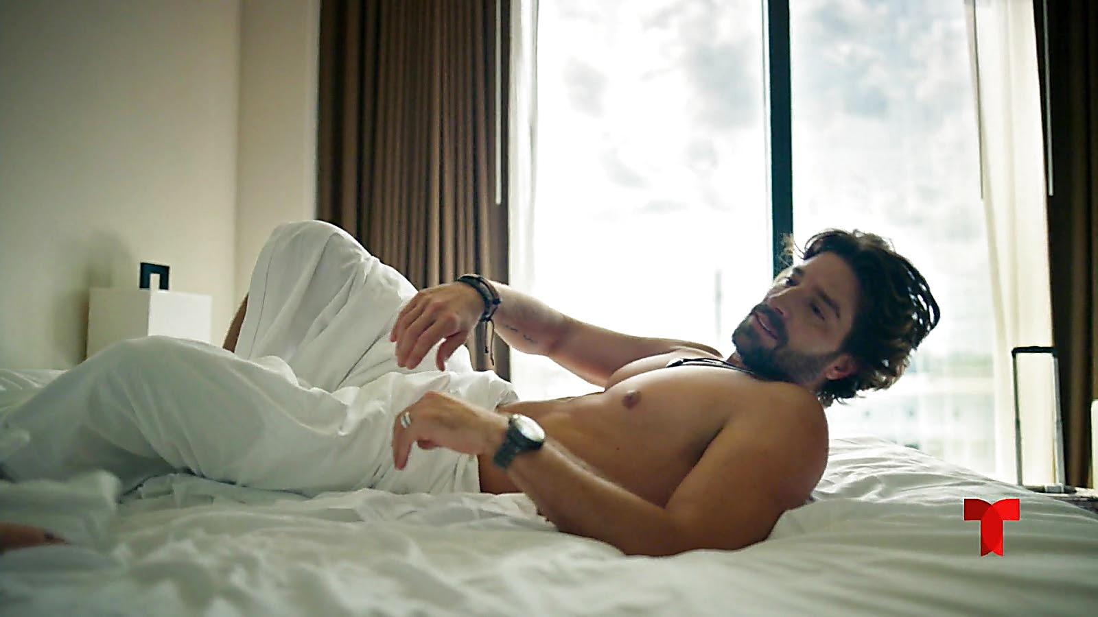 David Chocarro sexy shirtless scene July 11, 2020, 7am