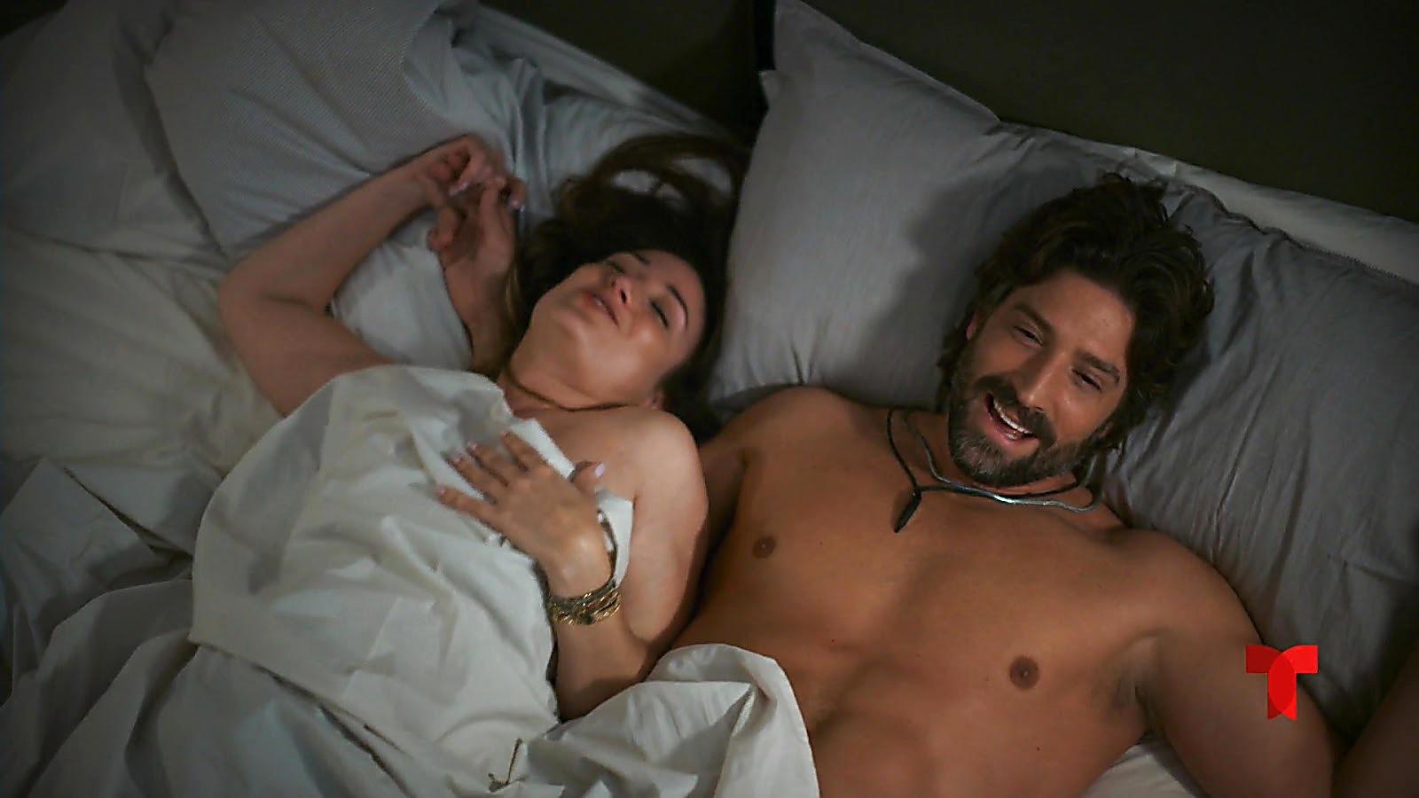 David Chocarro sexy shirtless scene July 18, 2020, 12pm
