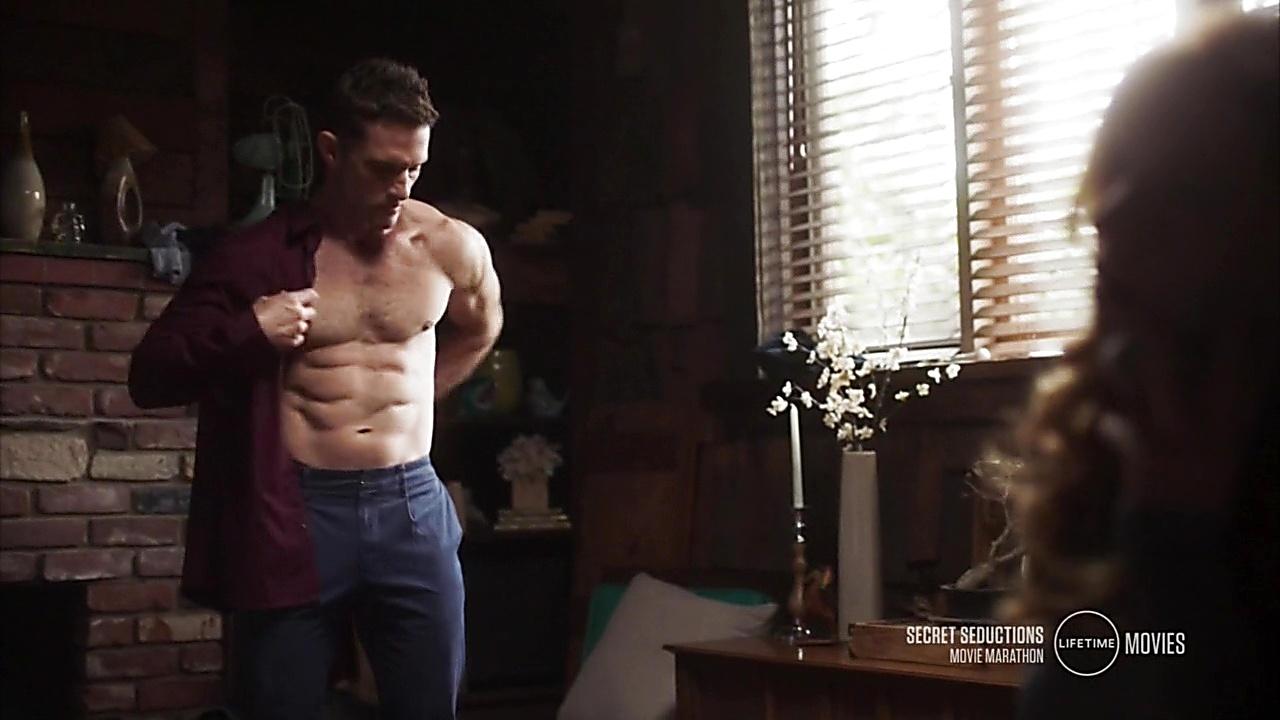 David Fumero sexy shirtless scene January 26, 2019, 10am
