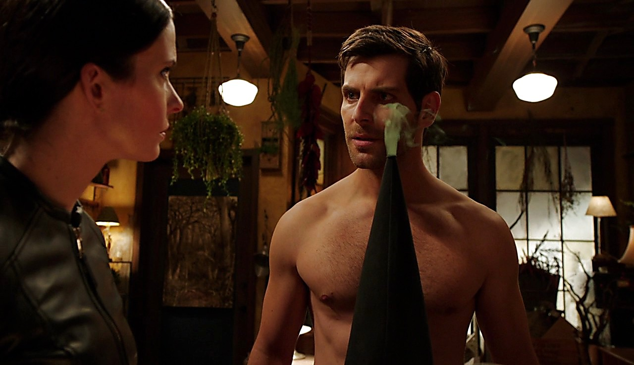 David Giuntoli sexy shirtless scene January 24, 2017, 1pm