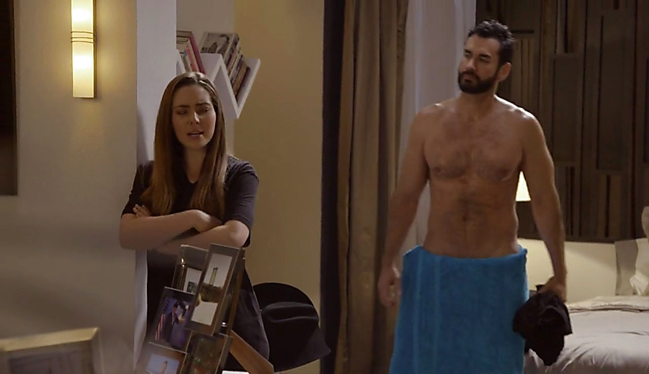 David Zepeda sexy shirtless scene May 17, 2017, 1pm