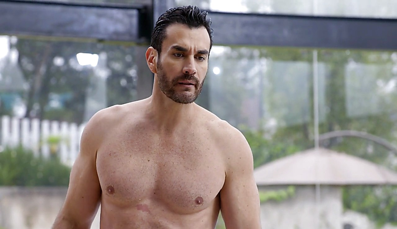 David Zepeda sexy shirtless scene May 19, 2017, 11am