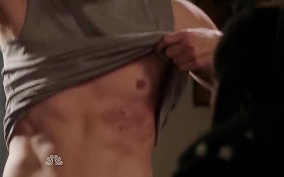 Dax Shepard sexy shirtless scene October 27, 2014, 11am