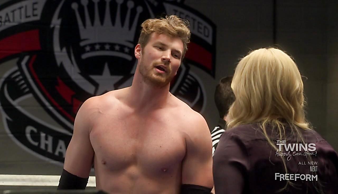 Derek Theler sexy shirtless scene March 28, 2017, 3pm