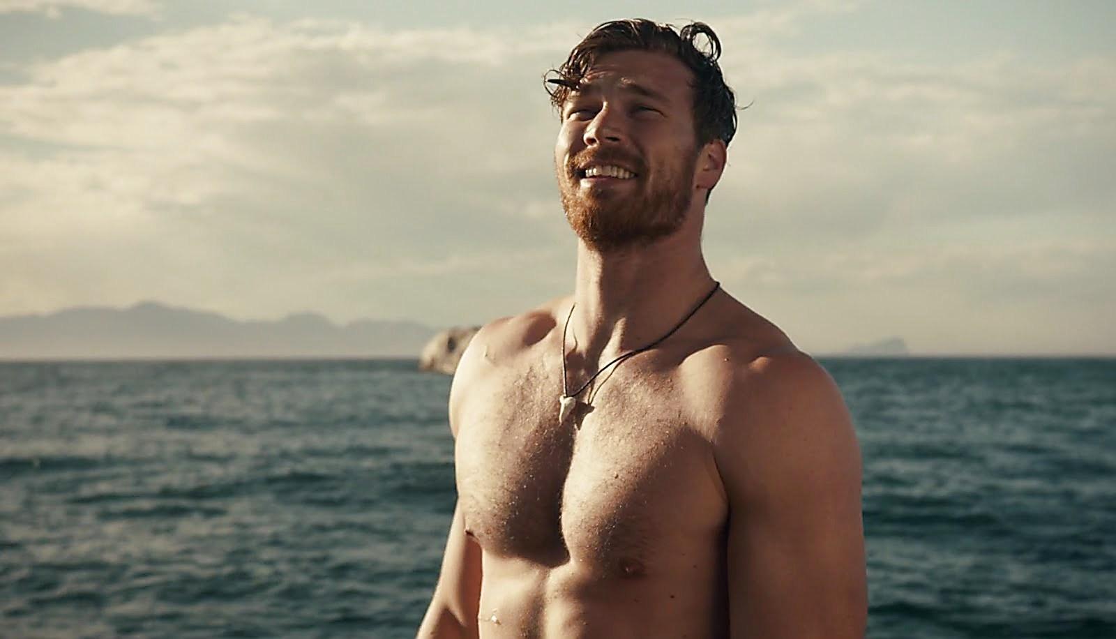 Derek Theler latest sexy shirtless scene March 29, 2018, 3pm