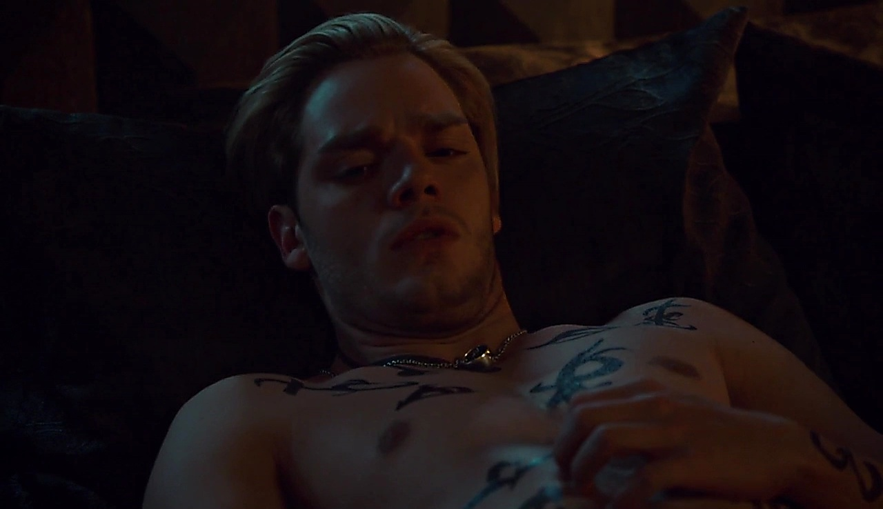Dominic Sherwood latest sexy shirtless scene March 29, 2018, 1pm