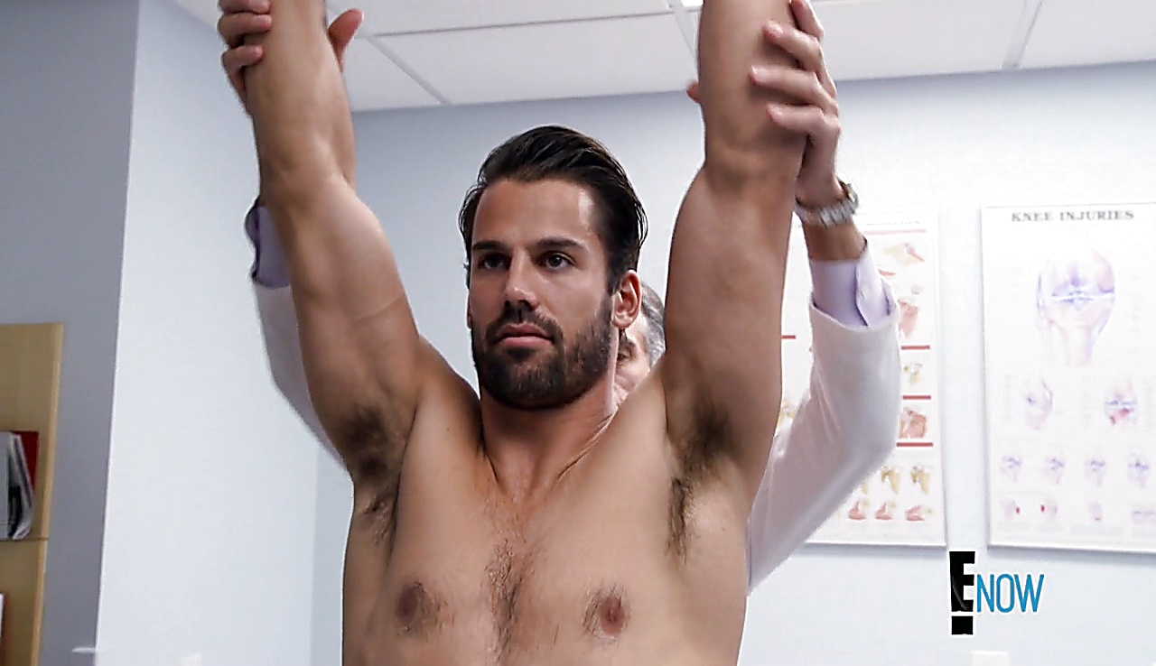 Eric Decker sexy shirtless scene September 7, 2017, 1pm