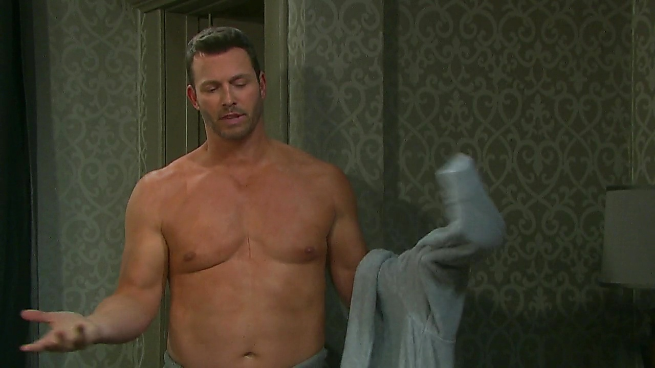 Eric Martsolf sexy shirtless scene October 5, 2018, 12pm