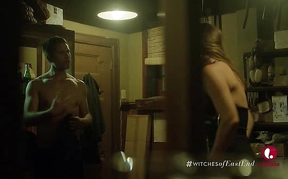 Eric Winter   Witches Of East End 2x10 3