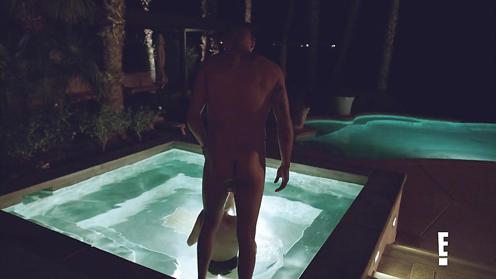 Evan Ross sexy shirtless scene October 3, 2018, 12pm
