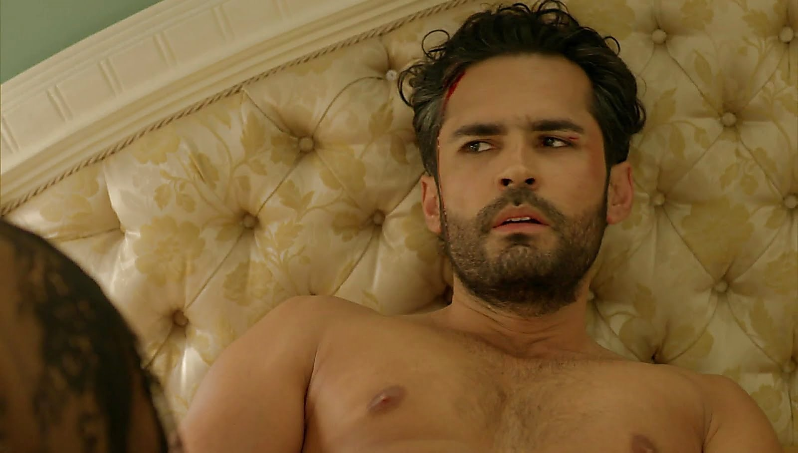 Fabian Rios latest sexy shirtless scene November 11, 2017, 1pm