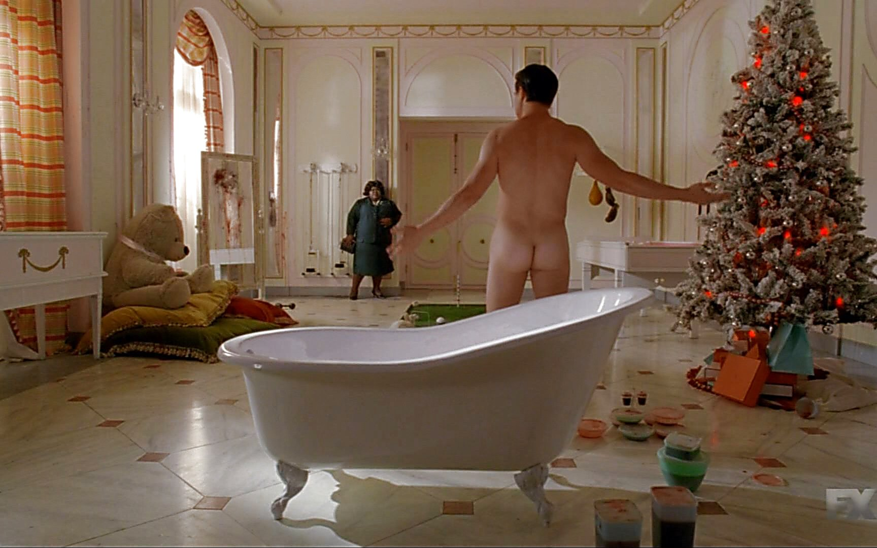 Finn Wittrock sexy shirtless scene January 3, 2015, 2pm