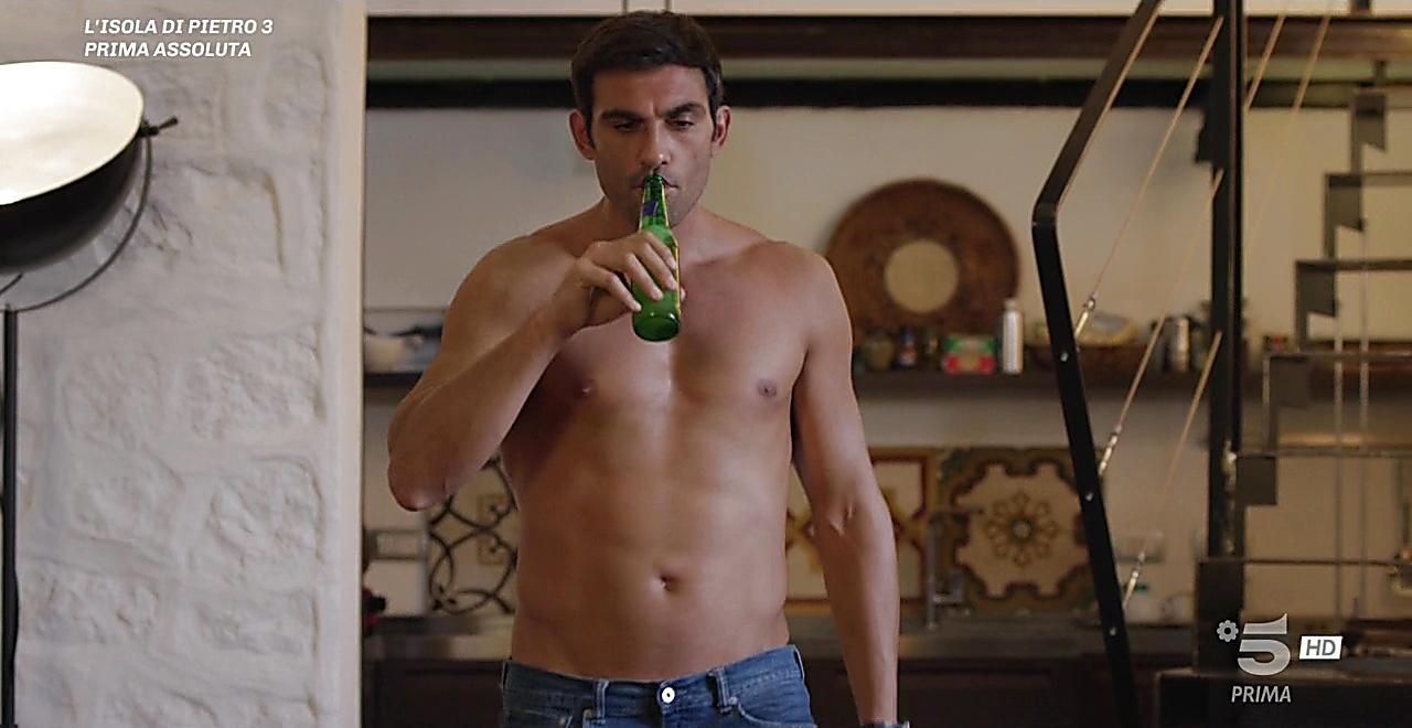 Francesco Arca sexy shirtless scene October 28, 2019, 9am