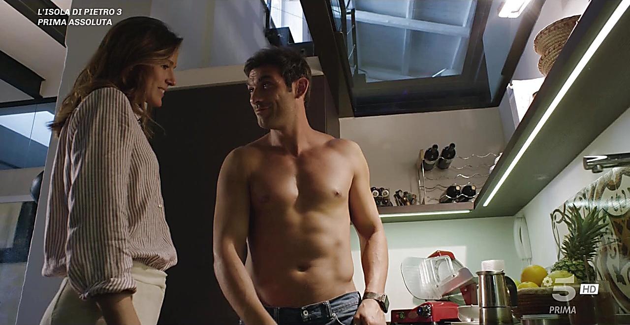 Francesco Arca sexy shirtless scene November 28, 2019, 3pm