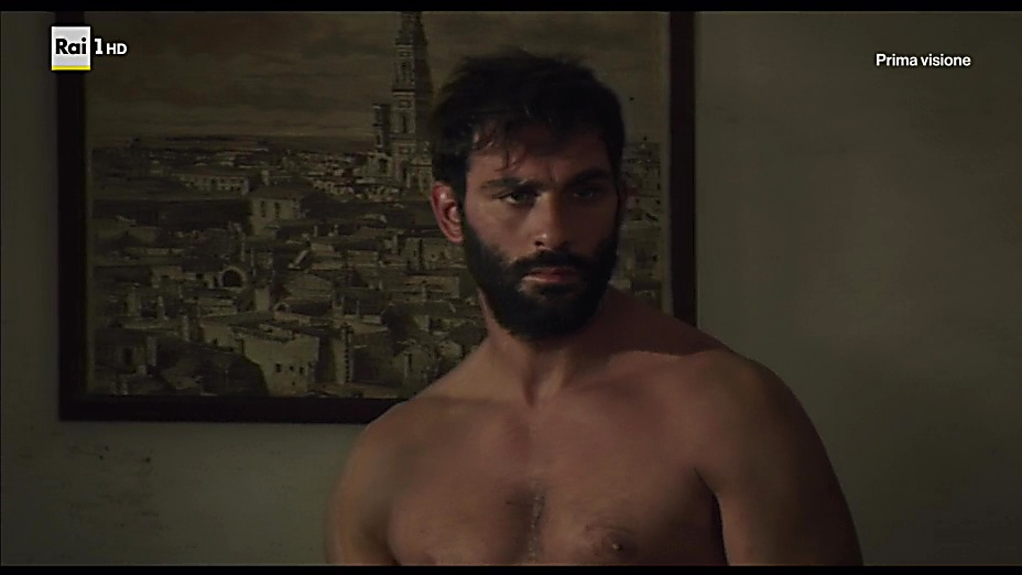 Francesco Arca sexy shirtless scene September 18, 2018, 5am