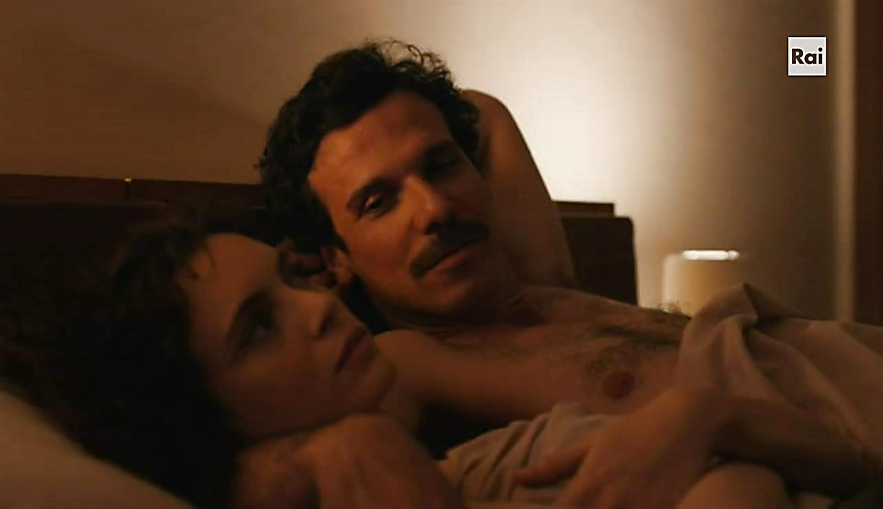 Francesco Montanari sexy shirtless scene March 15, 2018, 12pm