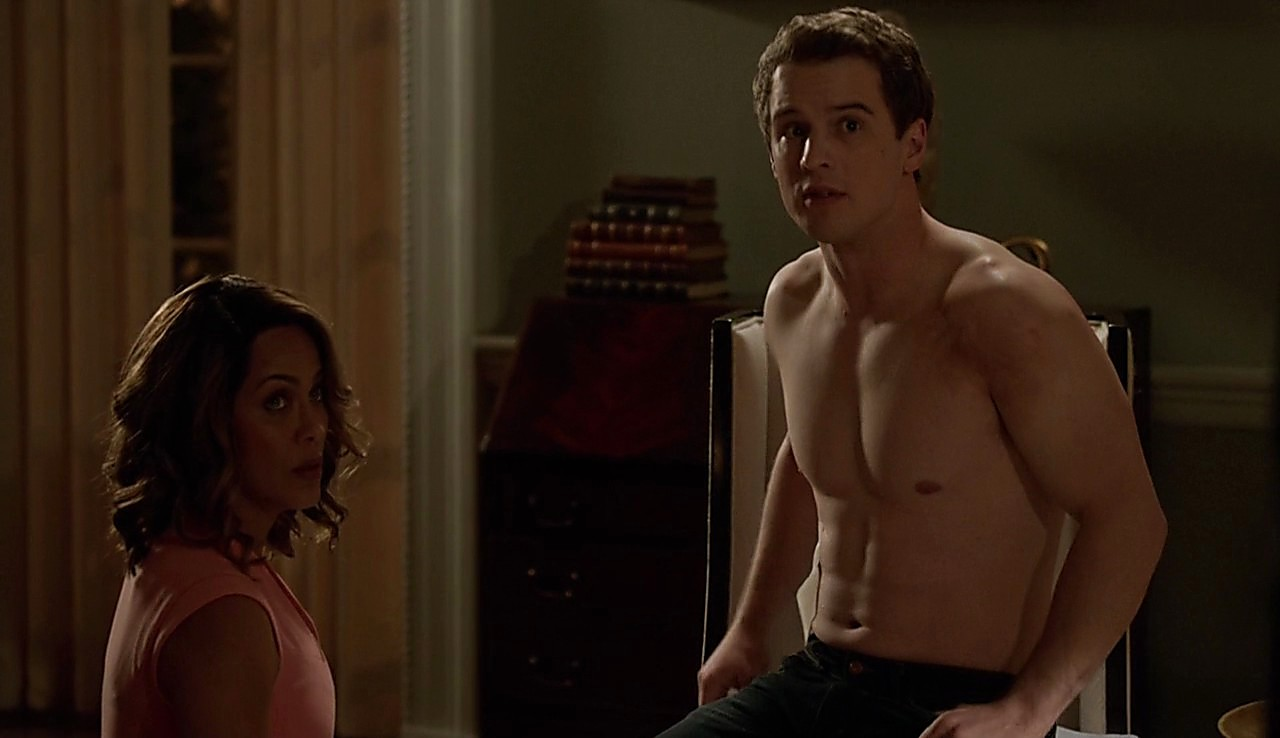 Freddie Stroma sexy shirtless scene March 7, 2017, 1pm