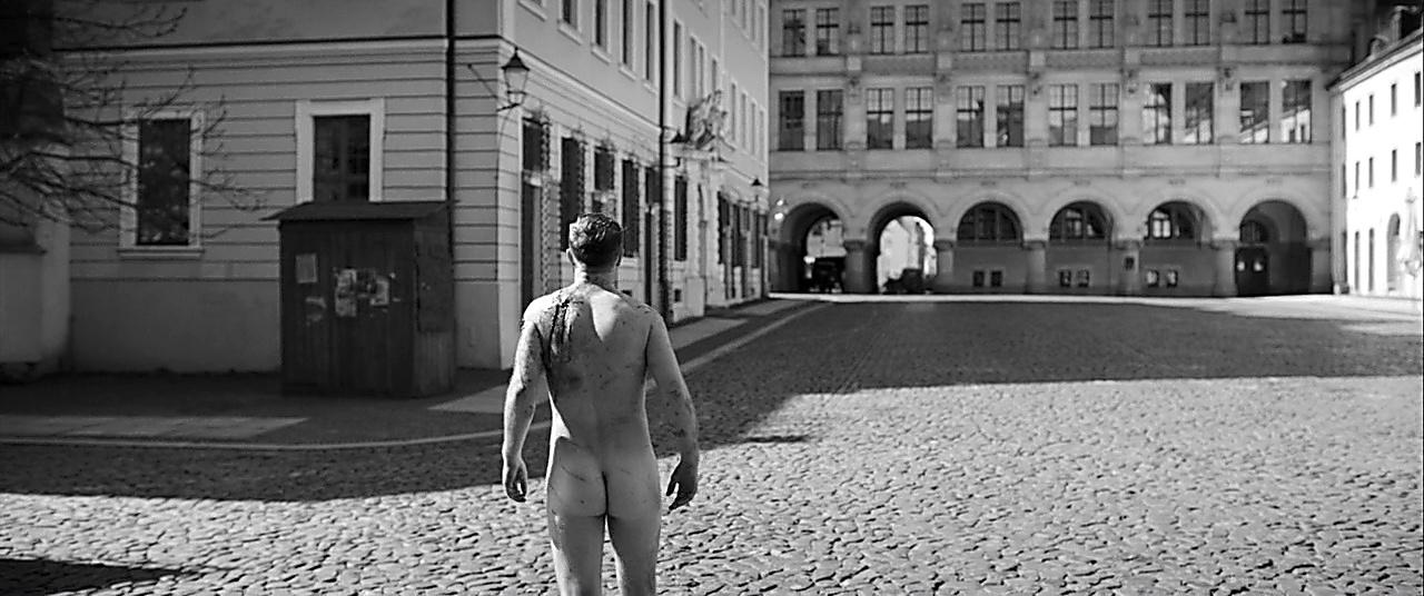 Frederick Lau sexy shirtless scene January 22, 2019, 10am
