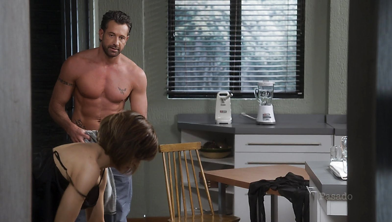 Gabriel Soto sexy shirtless scene December 29, 2017, 1pm
