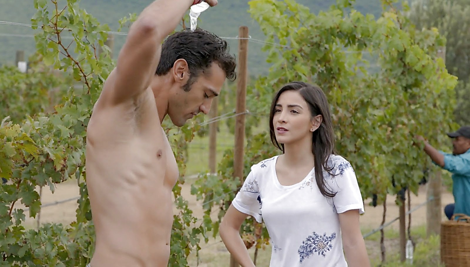 Gabriel Soto sexy shirtless scene January 29, 2017, 12pm