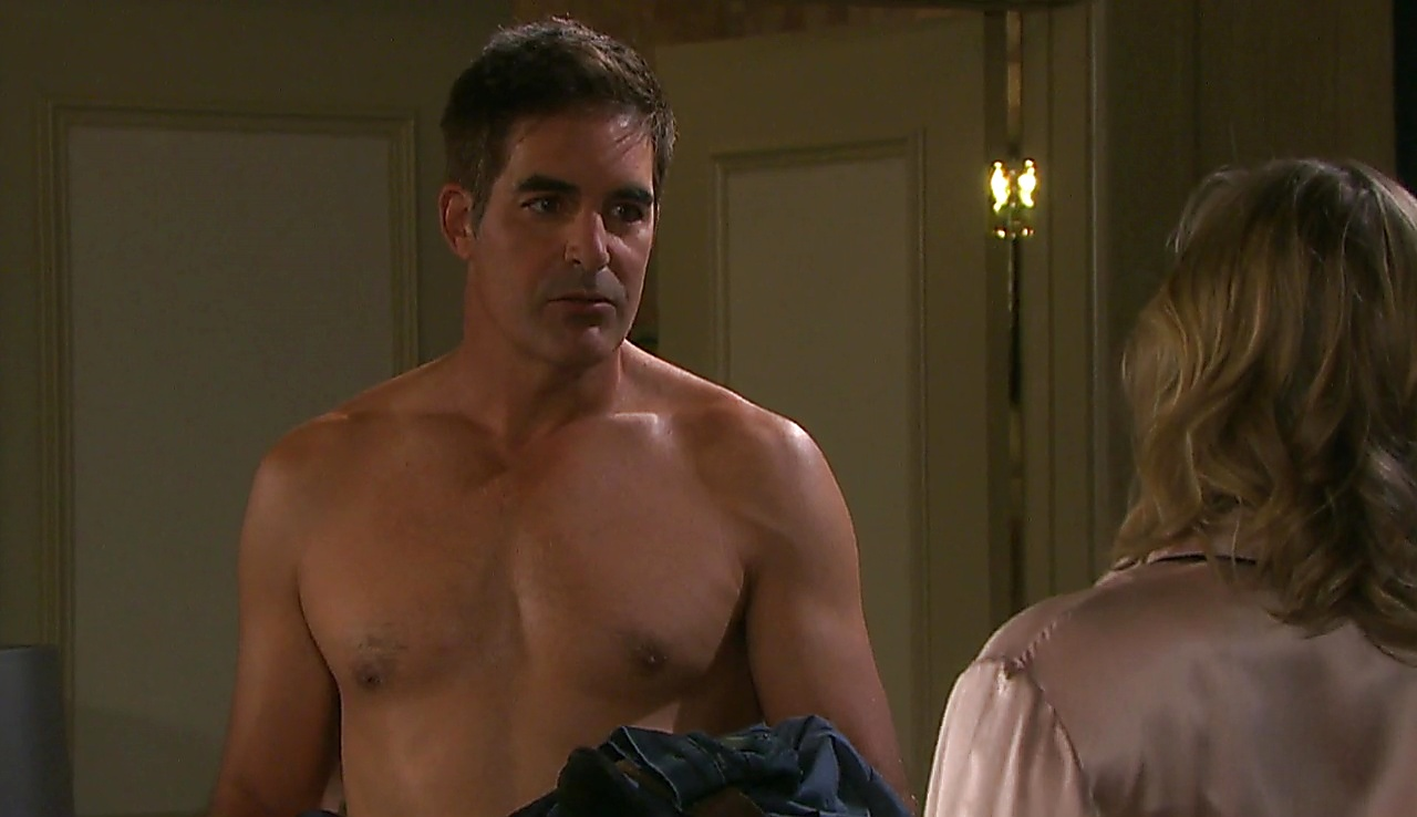 Galen Gering latest sexy shirtless scene December 6, 2017, 1pm