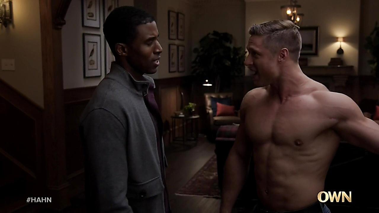 Gavin Houston sexy shirtless scene September 9, 2020, 8am