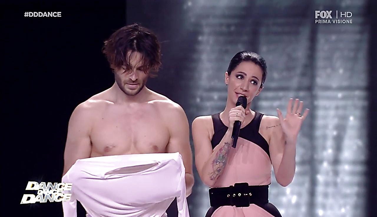 Giulio Berruti sexy shirtless scene March 2, 2018, 4am