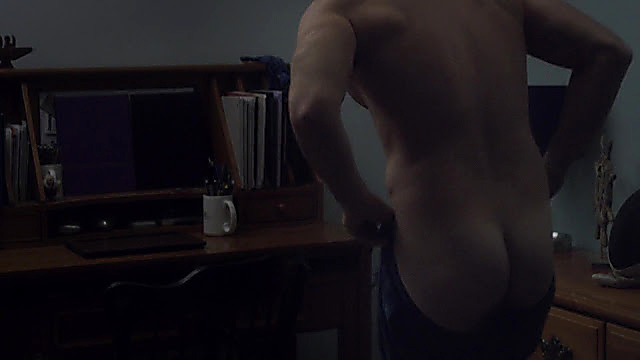 Giulio Berruti sexy shirtless scene November 20, 2020, 4am
