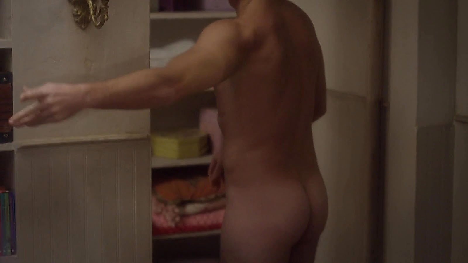 Giulio Berruti sexy shirtless scene August 1, 2020, 4am