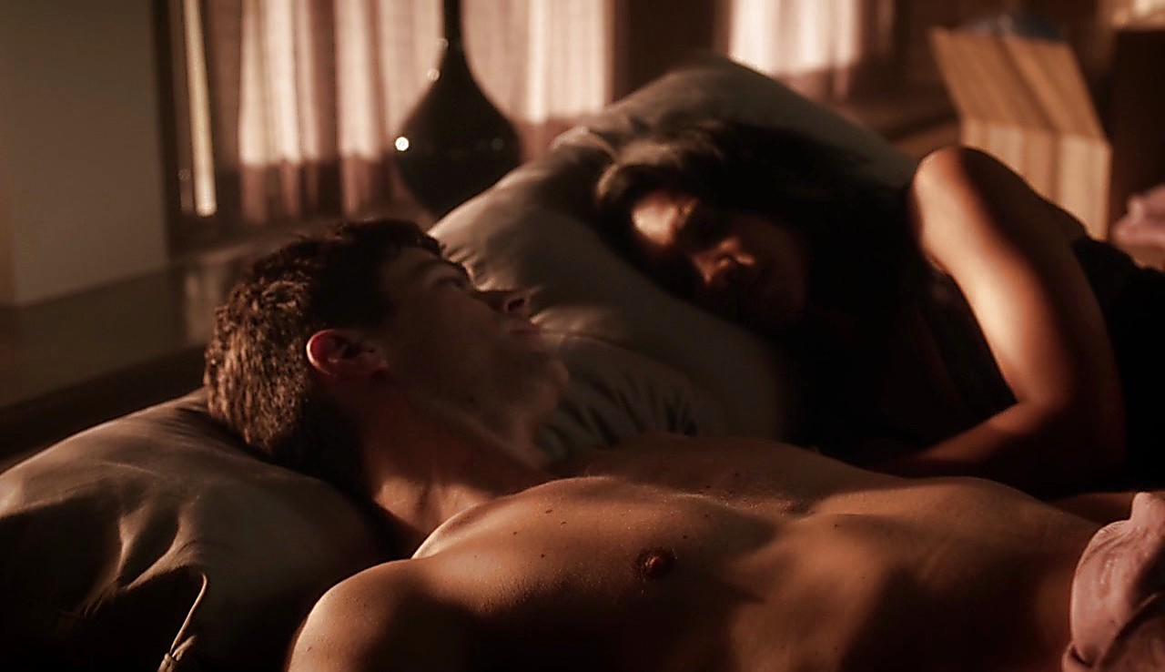 Grant Gustin sexy shirtless scene January 25, 2017, 12pm