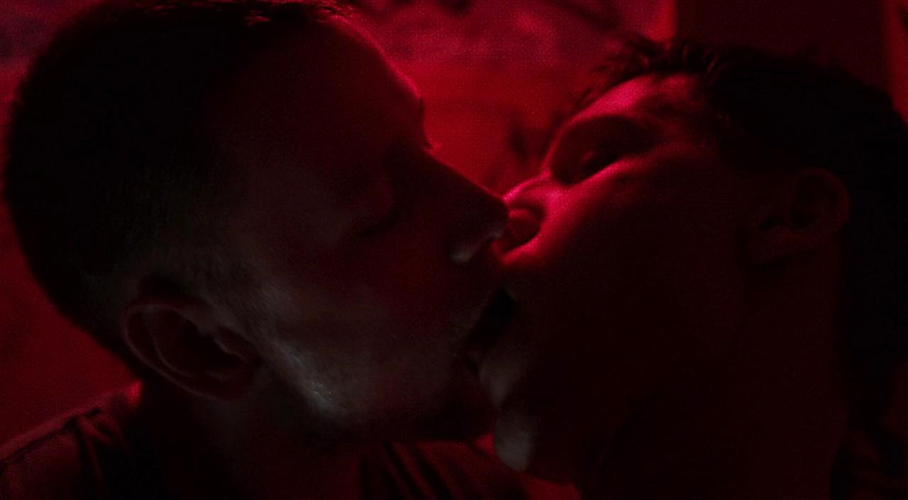 Hanno Koffler sexy shirtless scene January 24, 2018, 3pm