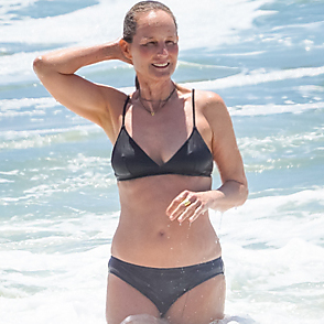 Helen Hunt latest sexy shirtless July 10, 2020, 9am