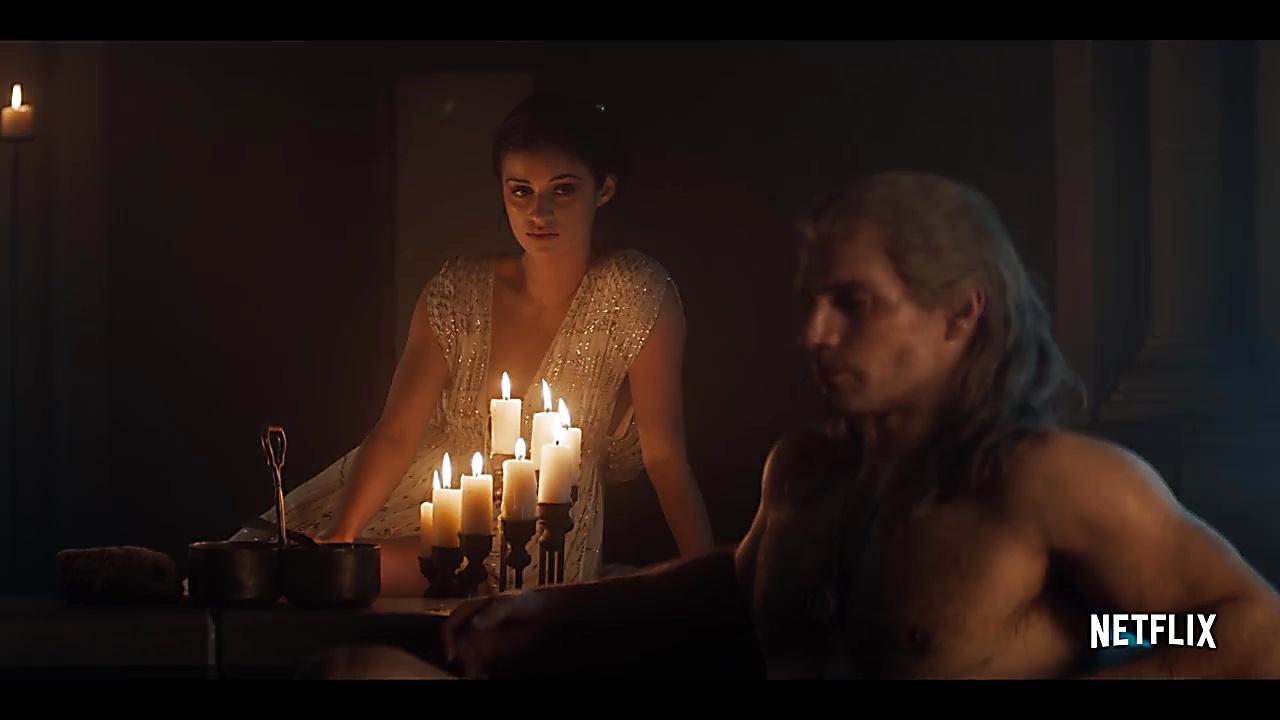 Henry Cavill sexy shirtless scene November 1, 2019, 4pm