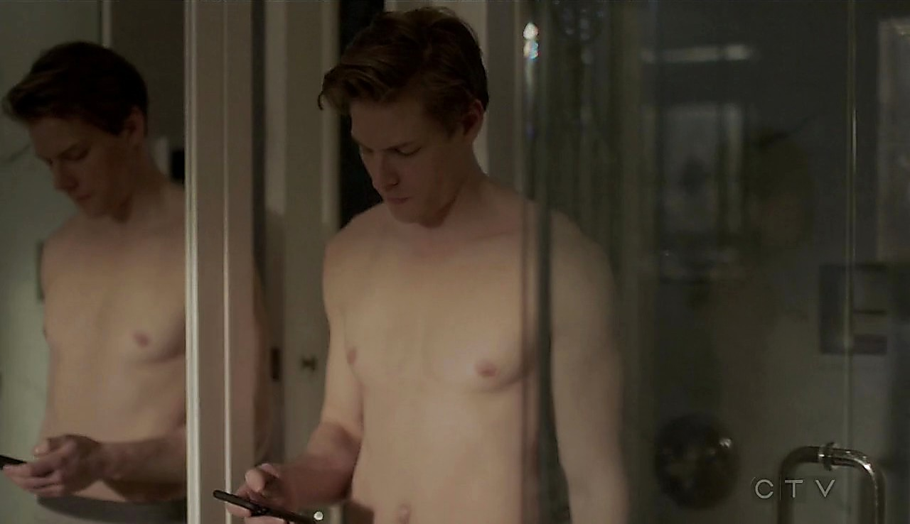 Hunter Parrish sexy shirtless scene April 4, 2017, 1pm