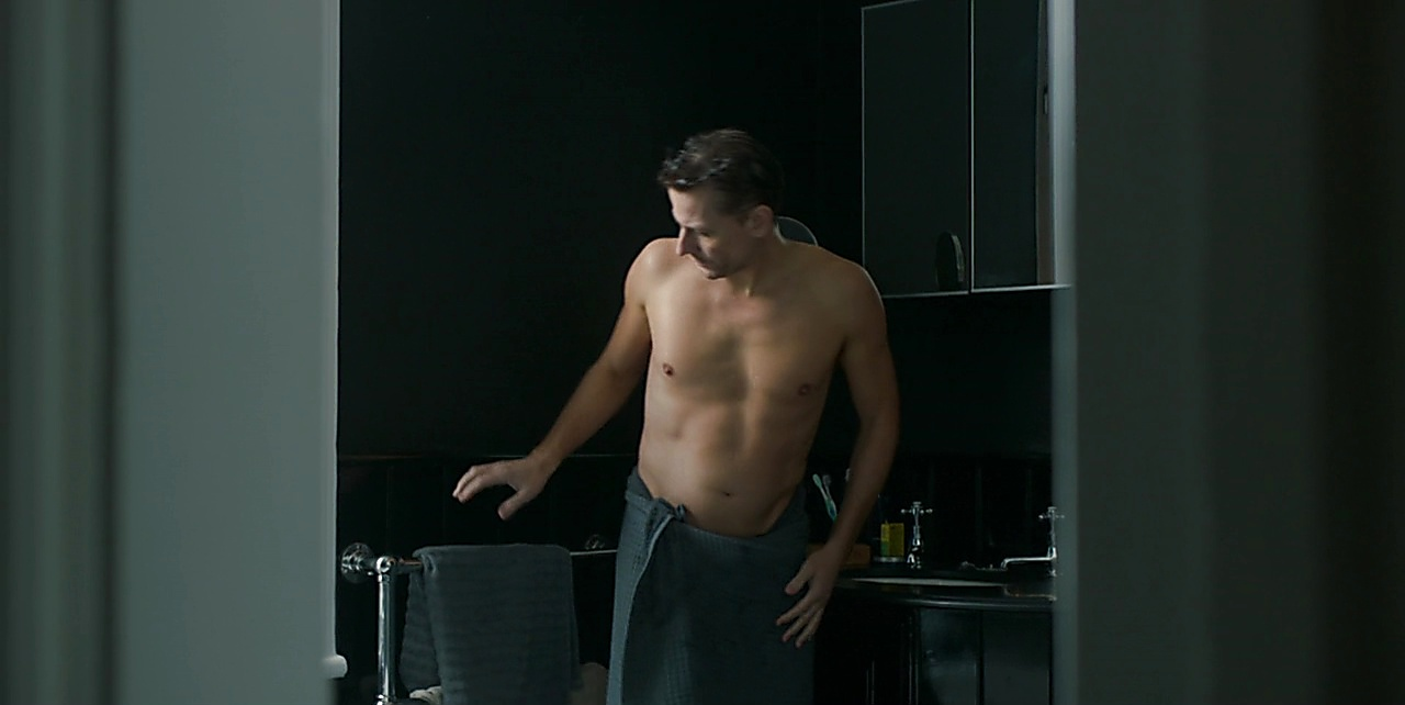 Ioan Gruffudd sexy shirtless scene September 12, 2017, 12pm