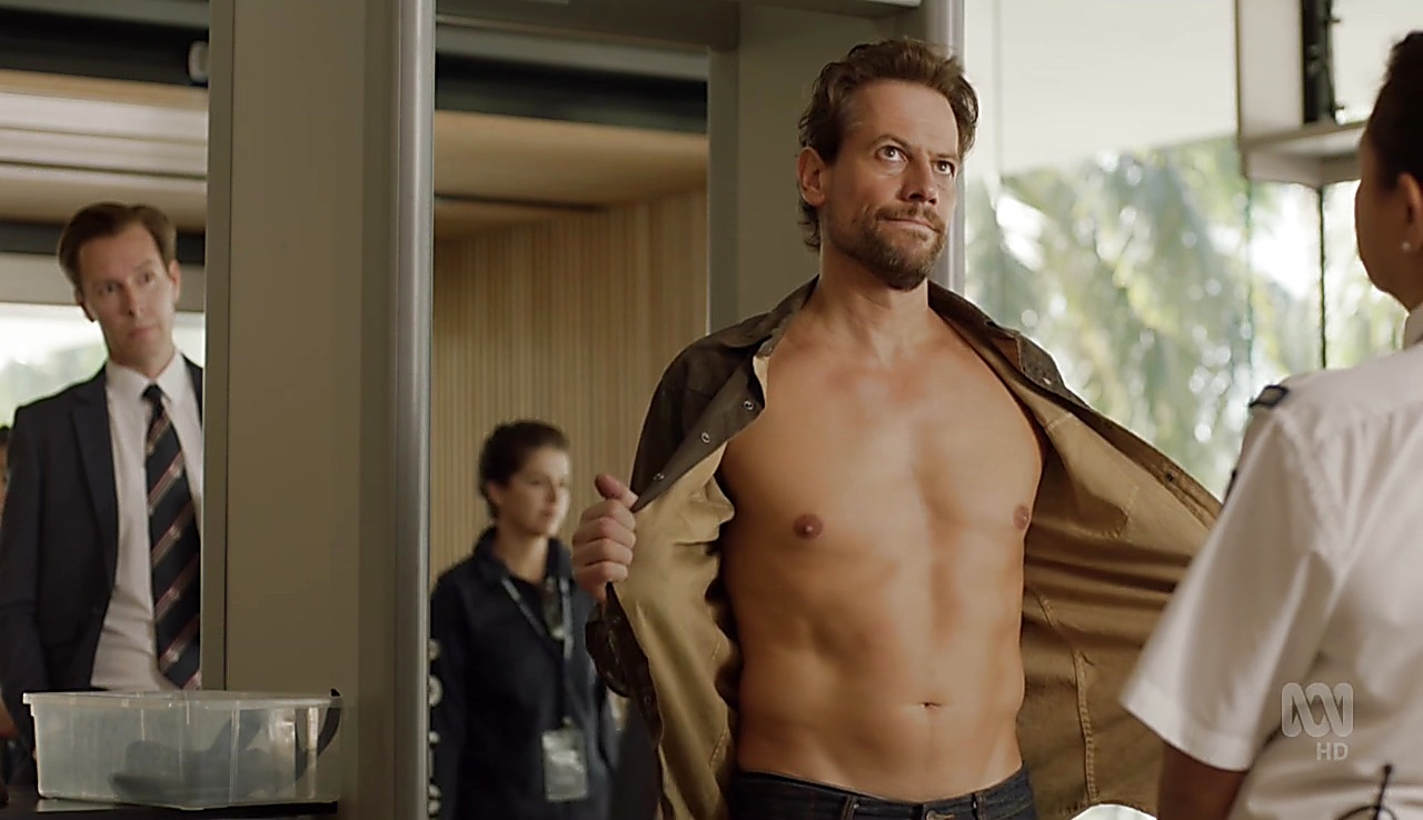 Ioan Gruffudd sexy shirtless scene March 10, 2018, 10am