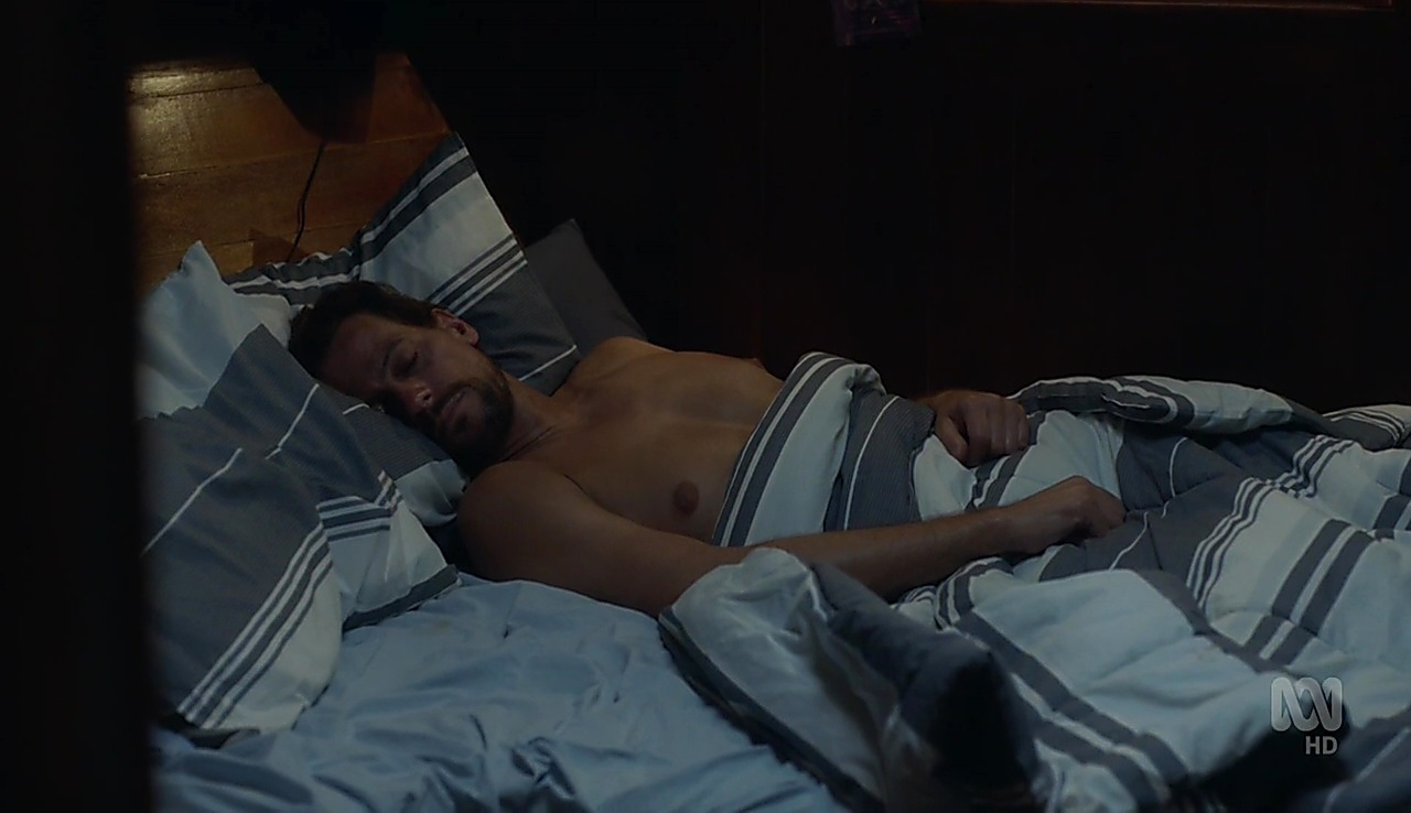 Ioan Gruffudd sexy shirtless scene April 28, 2018, 12pm