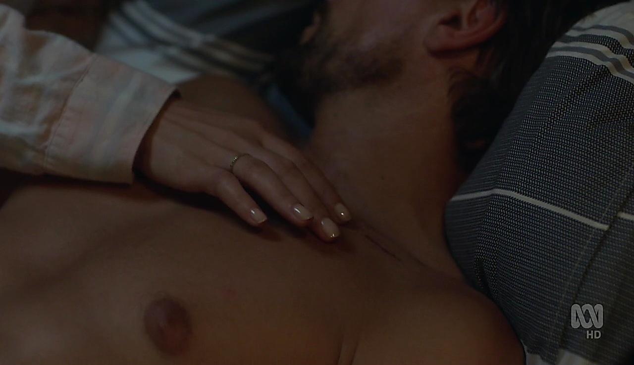 Ioan Gruffudd latest sexy shirtless scene April 28, 2018, 12pm