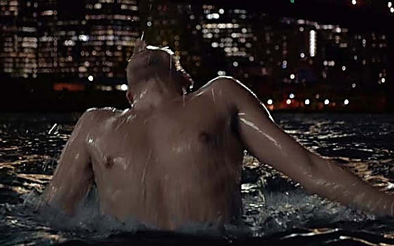 Ioan Gruffudd sexy shirtless scene September 29, 2014, 8pm