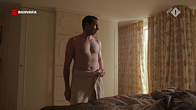 Jacob Derwig sexy shirtless scene October 17, 2020, 1pm