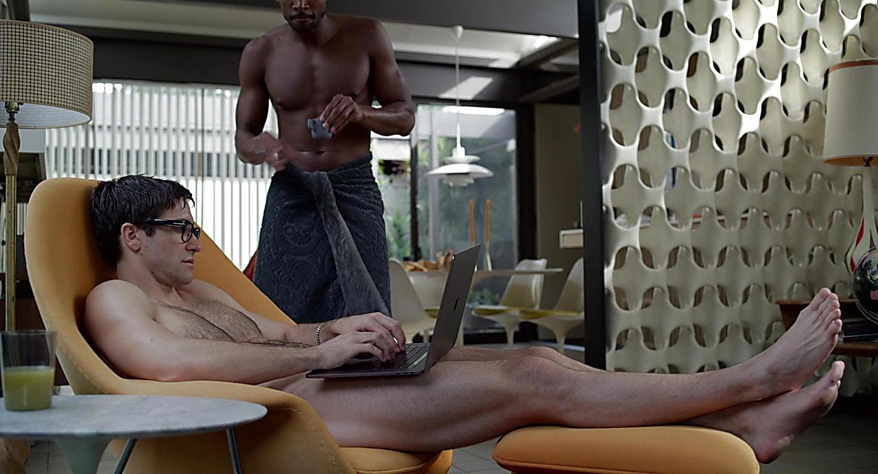Jake Gyllenhaal sexy shirtless scene February 1, 2019, 9am