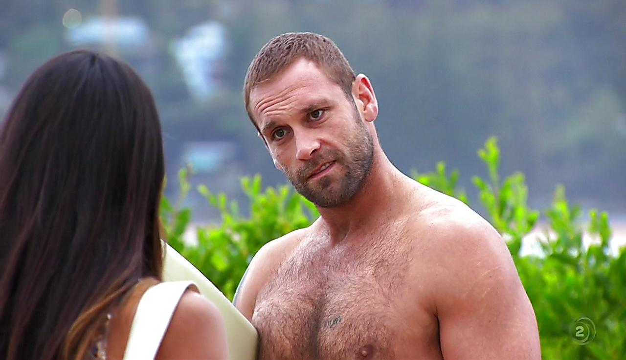 Jake Ryan latest sexy shirtless scene November 30, 2017, 3pm